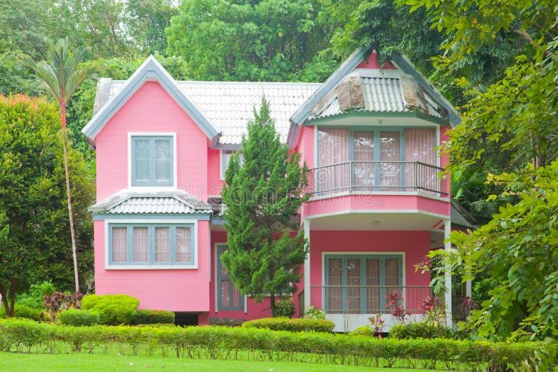 桃红色房子 库存图片