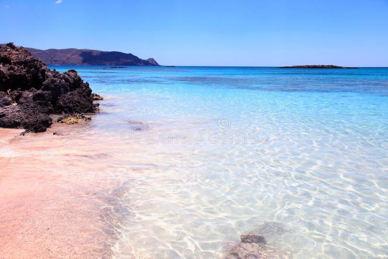 桃红色沙子海滩Elafonisi,克利特海岛,希腊 库存照片