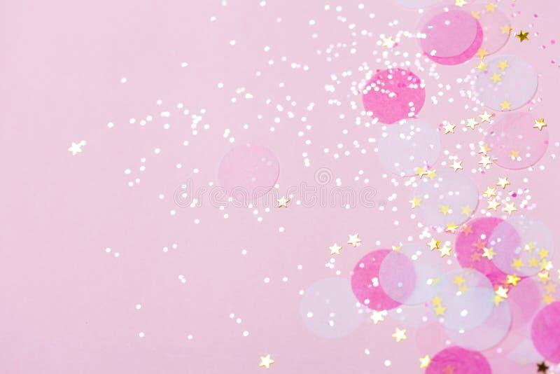 桃红色淡色五彩纸屑和闪闪发光背景 向量例证
