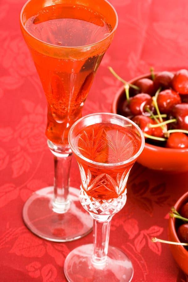 桃红色的酒 免版税库存图片