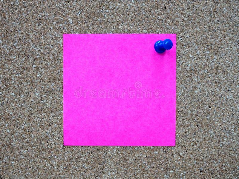 桃红色稠粘的笔记柱子文字, 库存照片