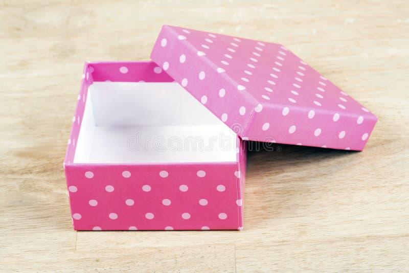 桃红色纸礼物盒 库存照片