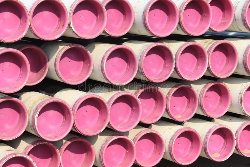 桃红色被堆积的管子 免版税库存照片