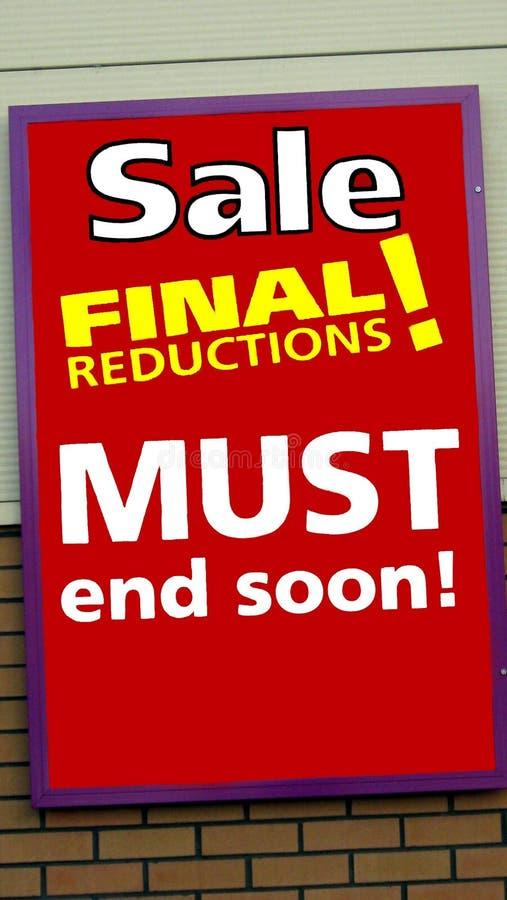 桃红色销售额黄色 商店的销售标志 销售决赛减少 库存图片