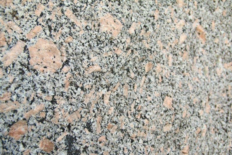 桃红色,白色和黑花岗岩岩石背景图象 免版税库存图片