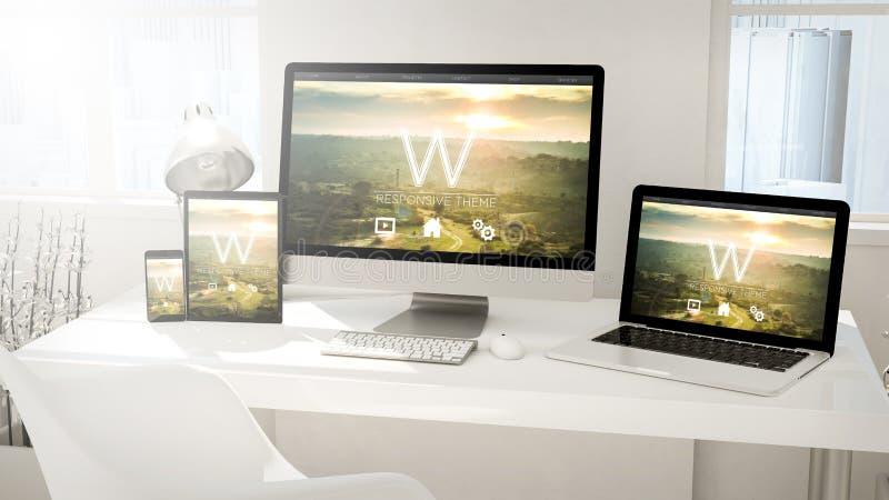 桌面设备计算机、片剂、膝上型计算机和电话 皇族释放例证