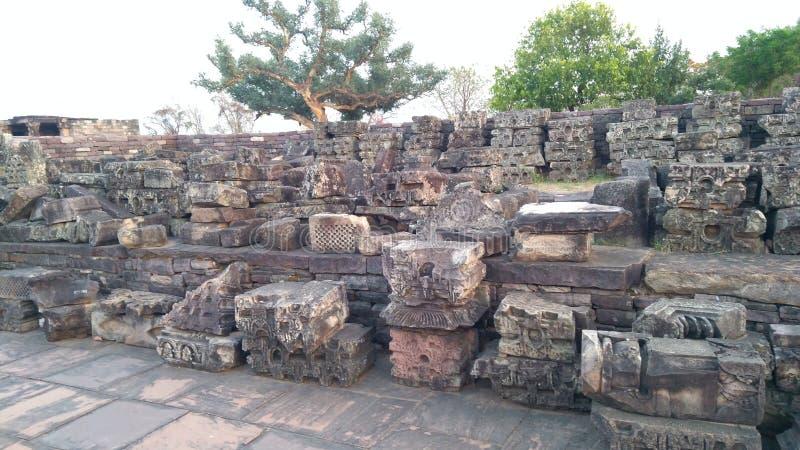 桑吉佛教纪念碑和被雕刻的石头 免版税库存照片