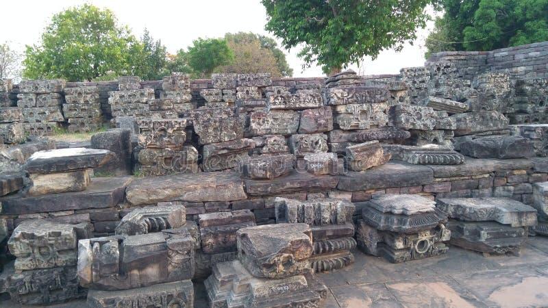 桑吉佛教纪念碑和被雕刻的石头 免版税库存图片