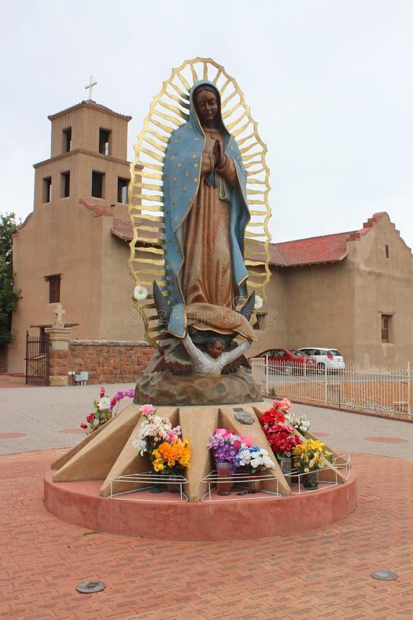 桑图阿里奥De瓜达卢佩河-老使命教会- Taos,NM 免版税库存照片