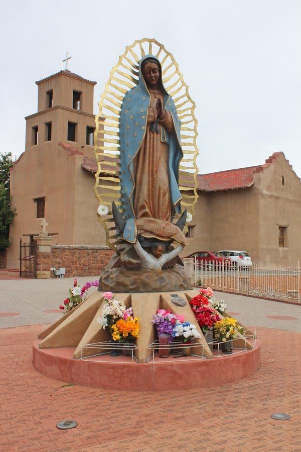 桑图阿里奥De瓜达卢佩河-老使命教会- Taos,NM 库存图片