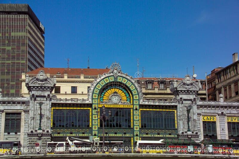 桑坦德 — 毕尔巴鄂铁路的历史入口 免版税图库摄影