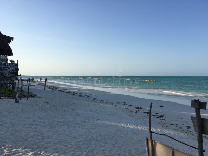 桑给巴尔海滩视图,在海岛东部 库存照片
