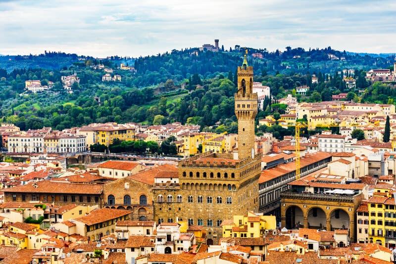 桔子顶房顶Palazzo Vecchio塔广场Signoria托斯卡纳Flore 库存照片