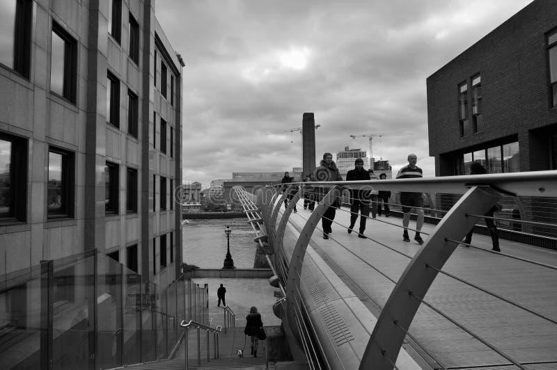 桥梁伦敦千年 免版税库存图片