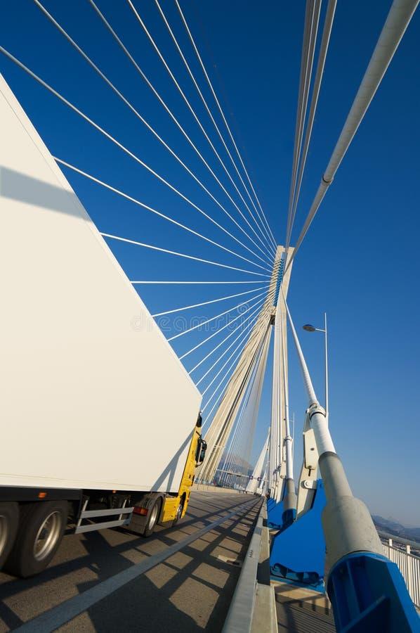 桥梁卡车垂直 库存照片