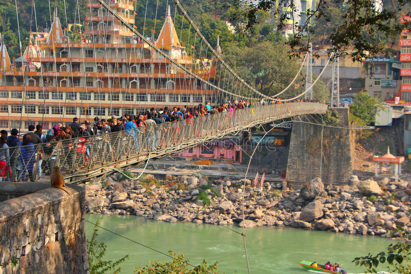 桥梁印度jhula lakshman rishikesh 库存照片