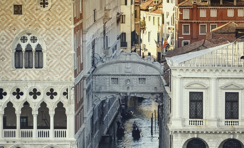 桥梁叹气威尼斯 免版税库存照片