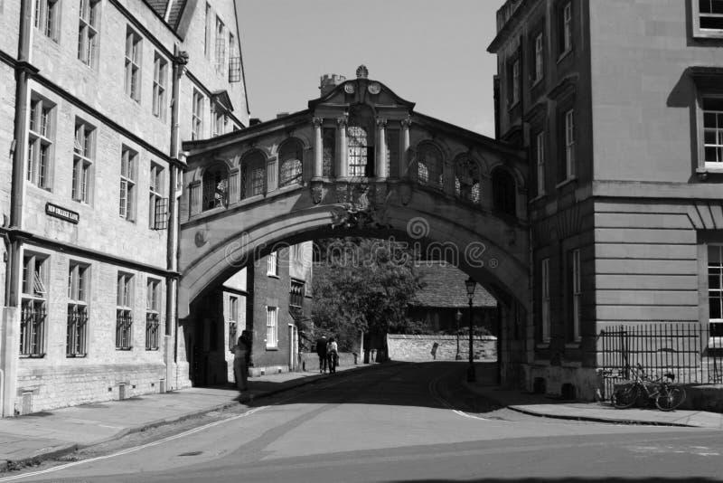 Download 桥梁叹气 库存照片. 图片 包括有 有历史, 明信片, 英国, 大学, 游人, 空白, 布琼布拉, 旅行, 教育 - 52624