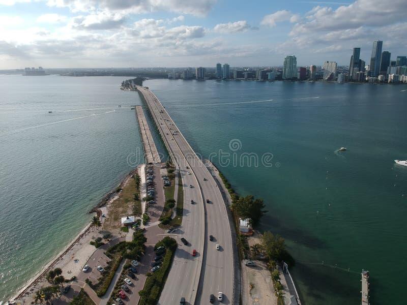 桥梁向街市迈阿密 库存照片
