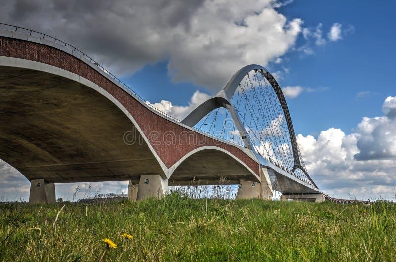 桥梁和洪泛区 免版税库存图片