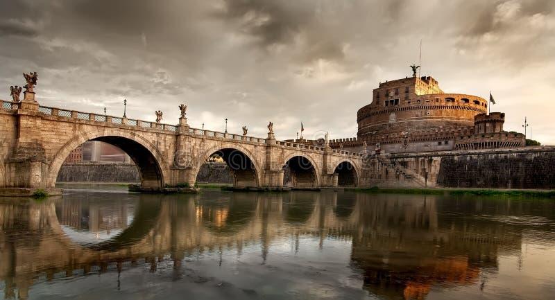 桥梁和陵墓 免版税库存图片
