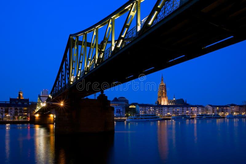 桥梁在法兰克福,德国 免版税图库摄影