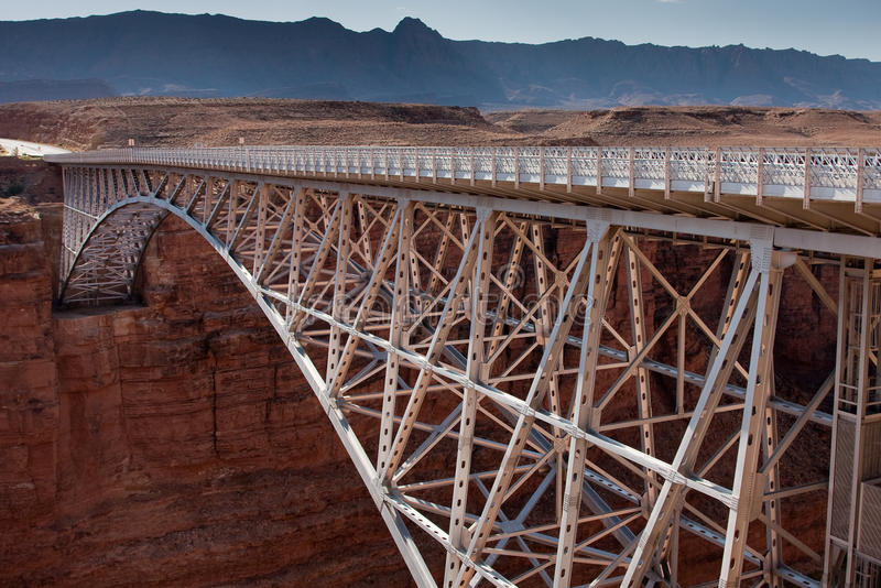 桥梁峡谷全部那瓦伙族人 免版税图库摄影