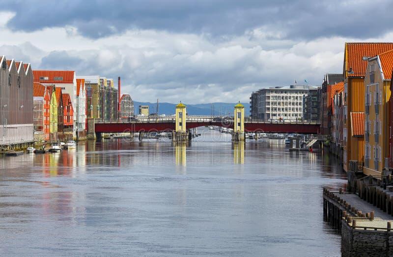 桥梁巴基布吕,特隆赫姆 免版税图库摄影