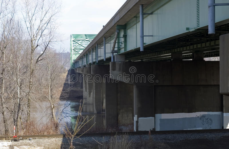 桥梁支持 库存图片