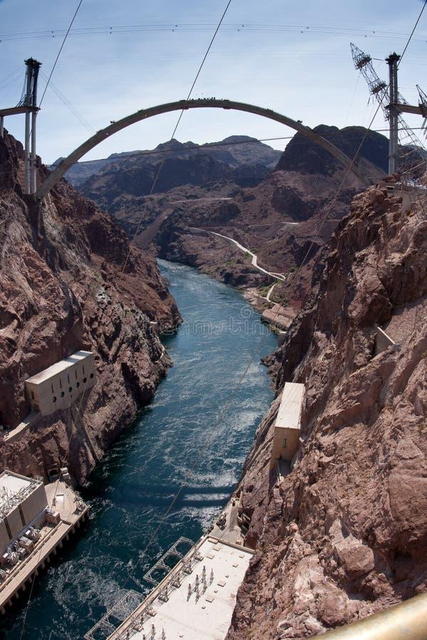桥梁旁路contruction水坝真空吸尘器 库存照片
