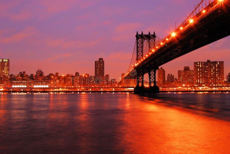 桥梁曼哈顿晚上 免版税库存照片