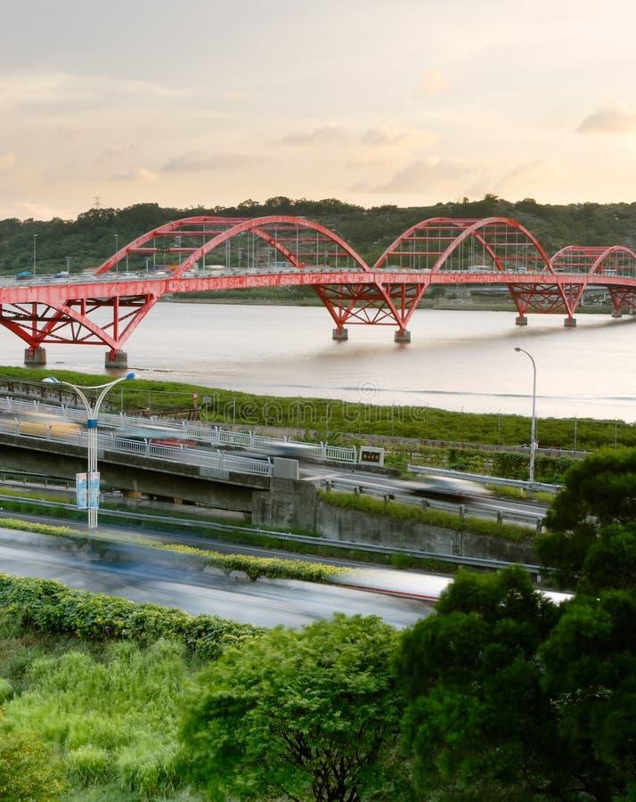 桥梁汽车都市风景 库存图片