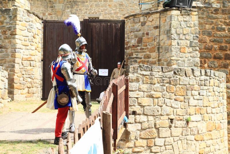 桥梁的中世纪战士在Budyne战争英雄  库存图片