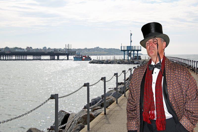 桥梁的毫华城市绅士 免版税图库摄影