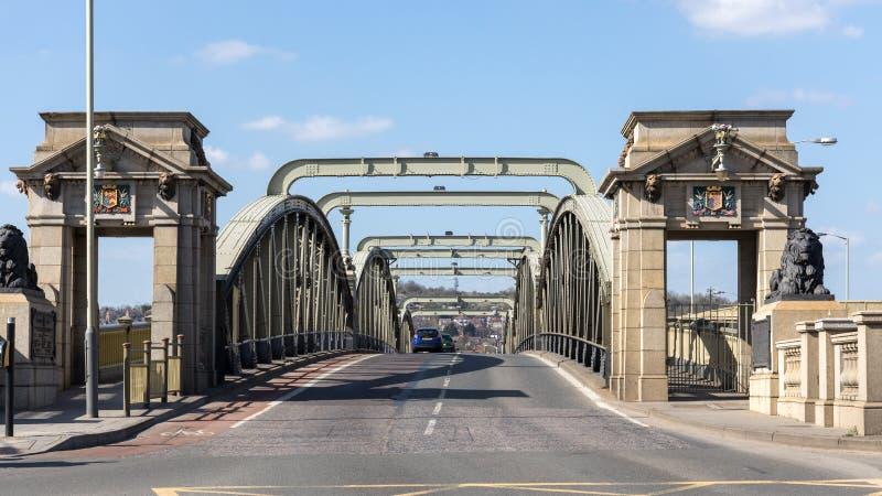 桥梁的看法在河梅德韦的在2019年3月24日罗切斯特 图库摄影