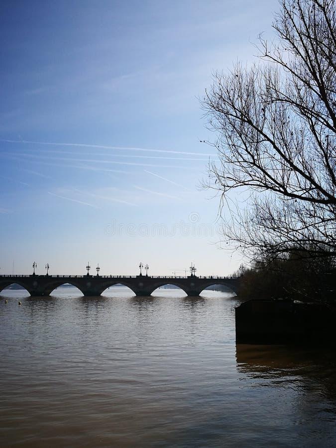 桥梁皮埃尔,红葡萄酒 免版税库存图片