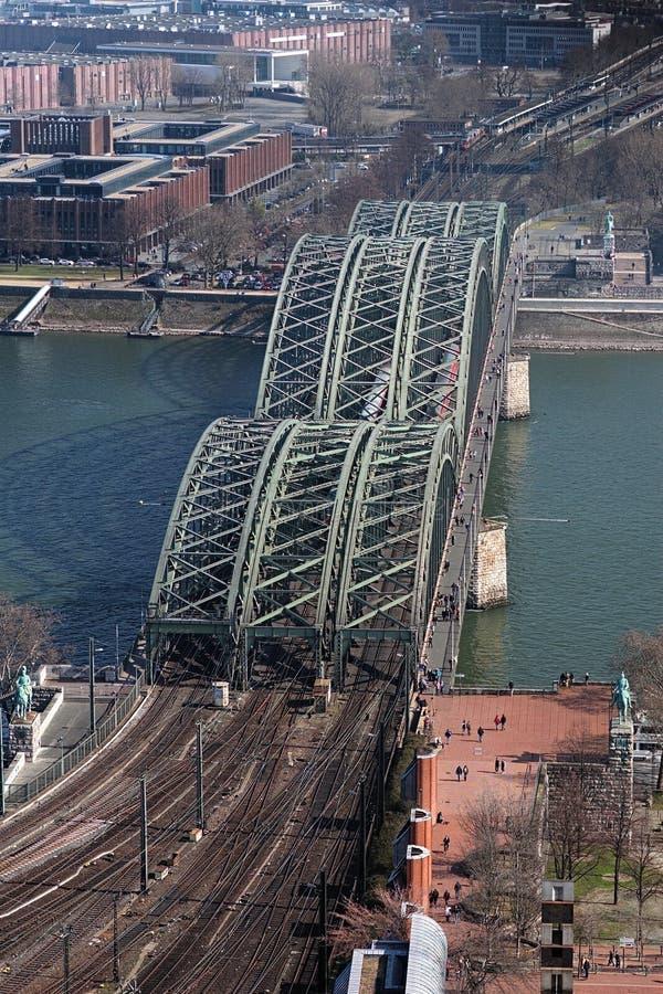 桥梁科隆香水德国hohenzollern视图 免版税图库摄影