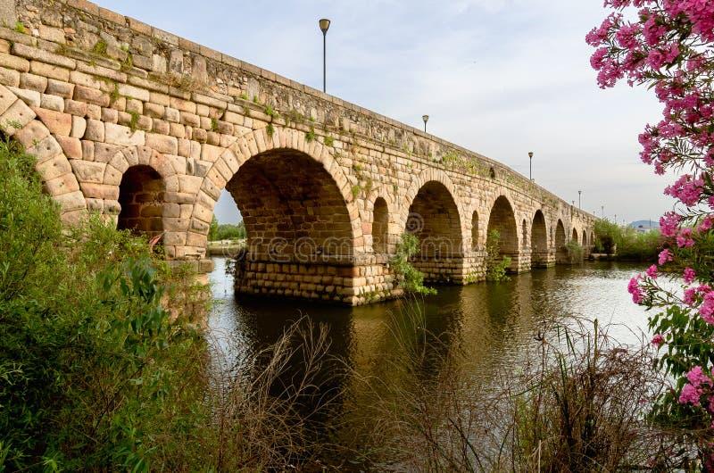 桥梁罗马的梅里达 免版税图库摄影