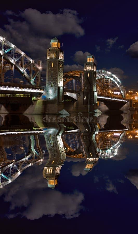 桥梁覆盖晚上 库存图片