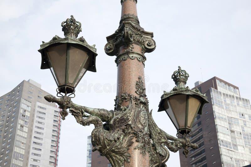 桥梁路灯柱在鹿特丹 免版税图库摄影