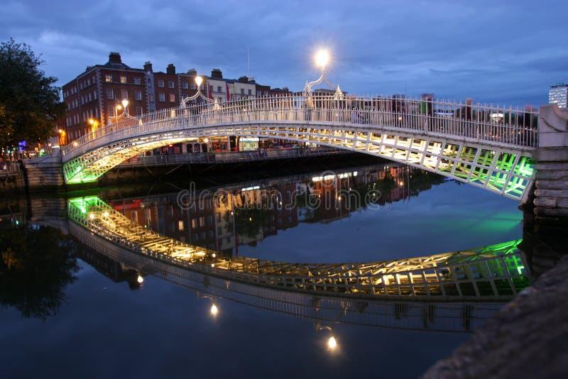 桥梁都伯林ha爱尔兰便士 库存照片
