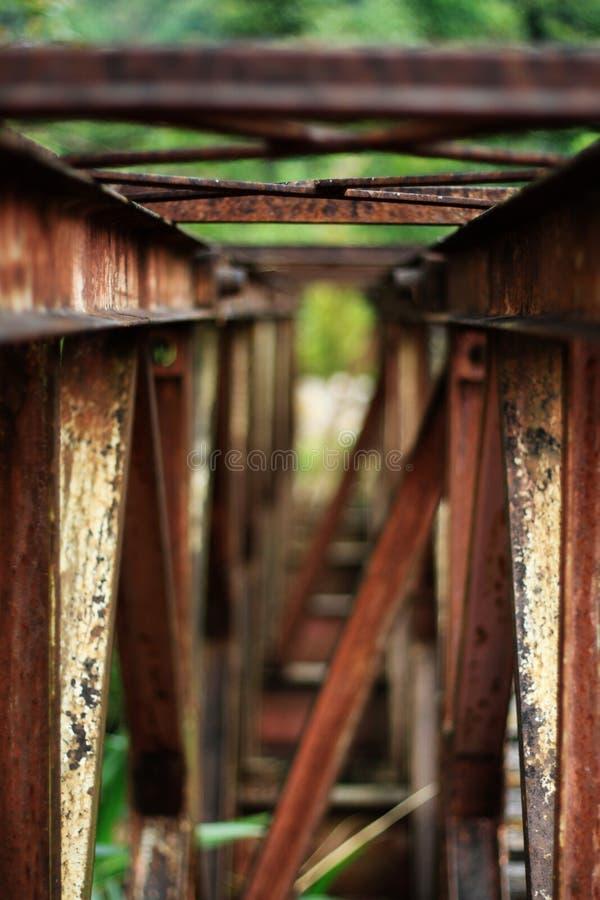 桥梁铁锈的钢结构 免版税库存照片
