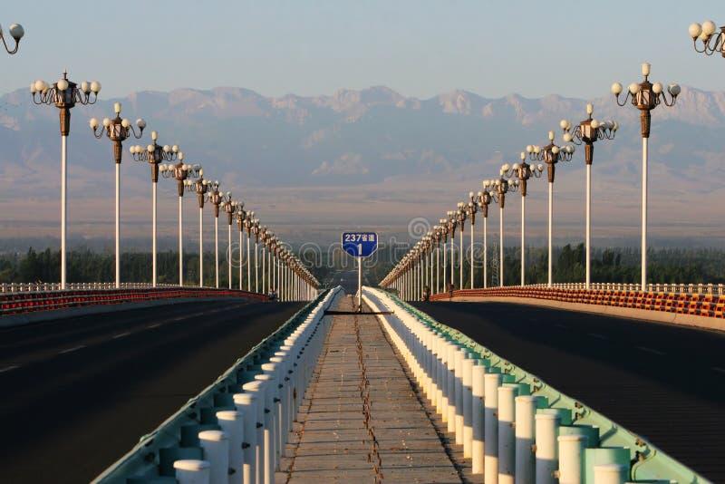 桥梁高速公路日出 免版税图库摄影