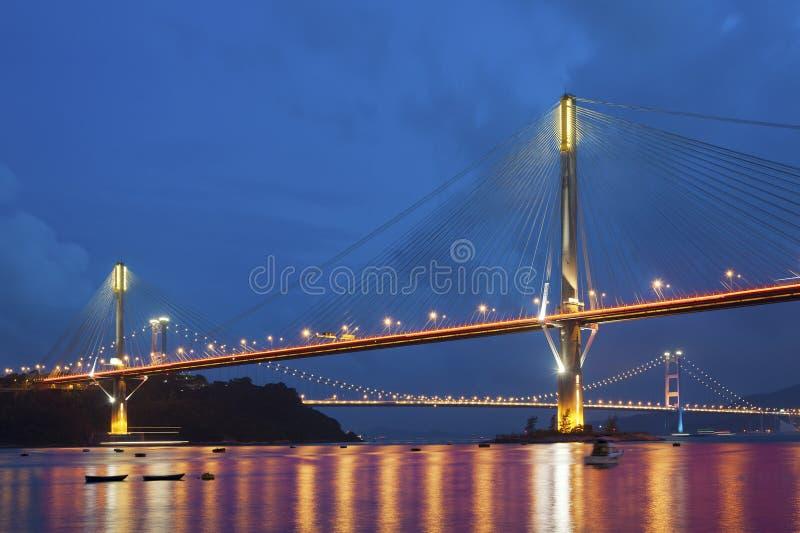 Download 桥梁 库存图片. 图片 包括有 全景, 庄严, 横向, 风景, 结构, 布琼布拉, 城市, 晚上, 现代 - 59110285
