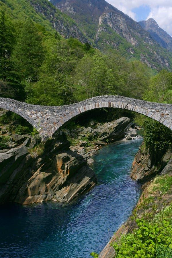 桥梁lavertezzo谷verzasca 免版税库存照片