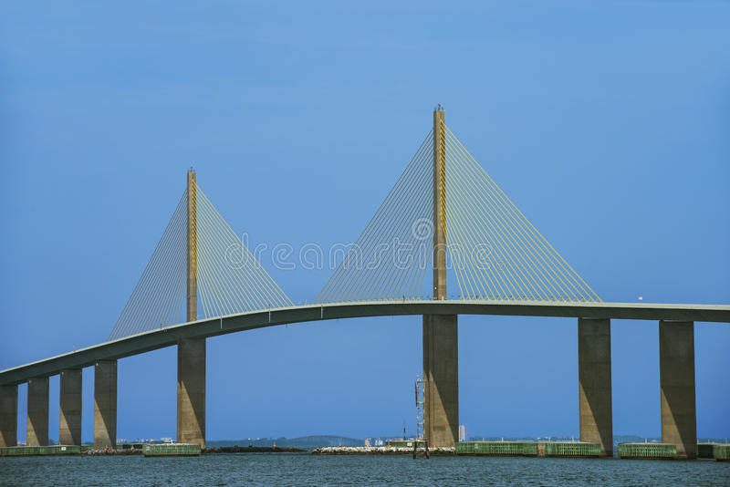 桥梁skyway阳光 库存照片