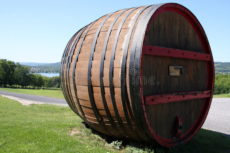桶巨人酒 库存照片