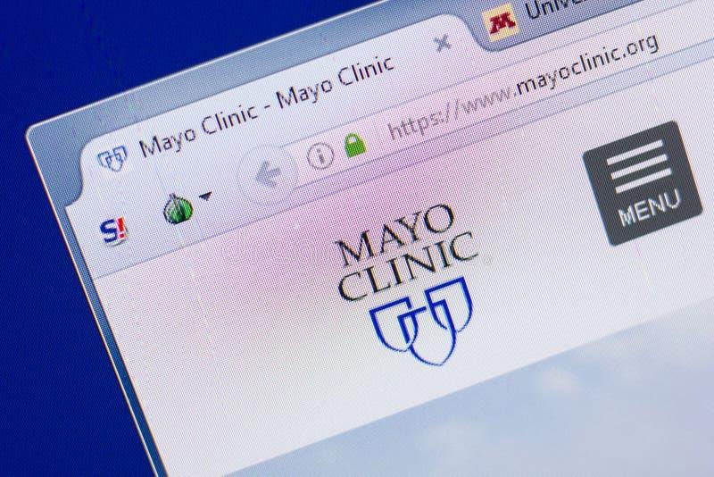 梁赞,俄罗斯- 2018年5月13日:个人计算机, URL - MayoClinic显示的马约诊所网站  org 免版税库存照片