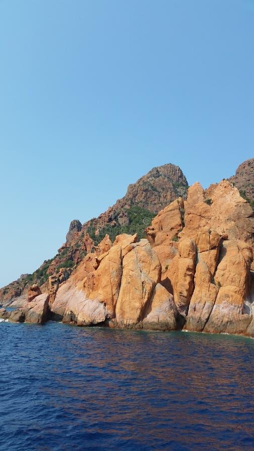 梅尔岩石和海 库存图片