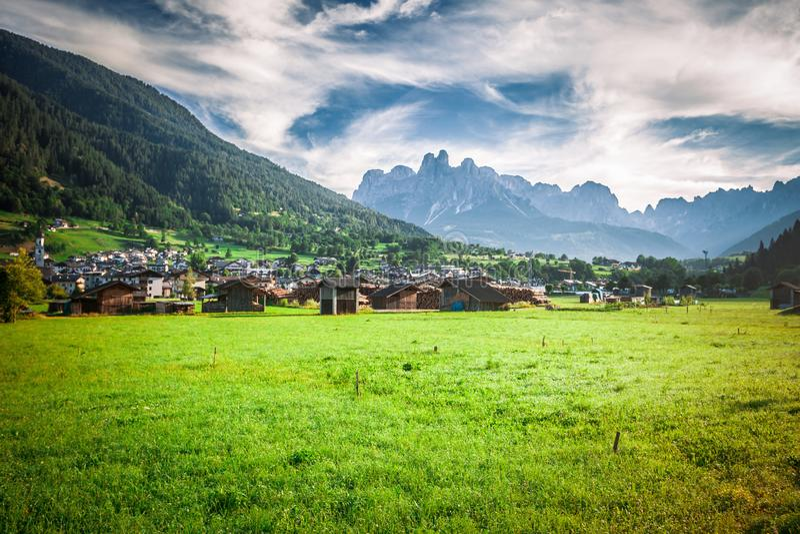 梅扎诺val di Primiero Dolomites 库存照片